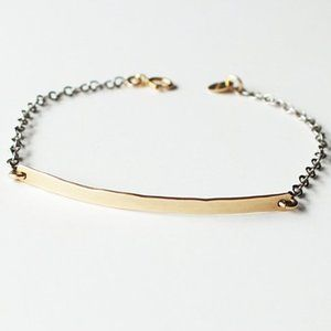LEXI LU HAMMERED GOLD BAR MINI ID BRACELET